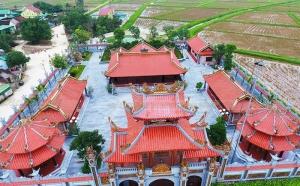 Nhà thờ họ Nguyễn Quốc dát vàng trăm tỉ ở Nghệ An